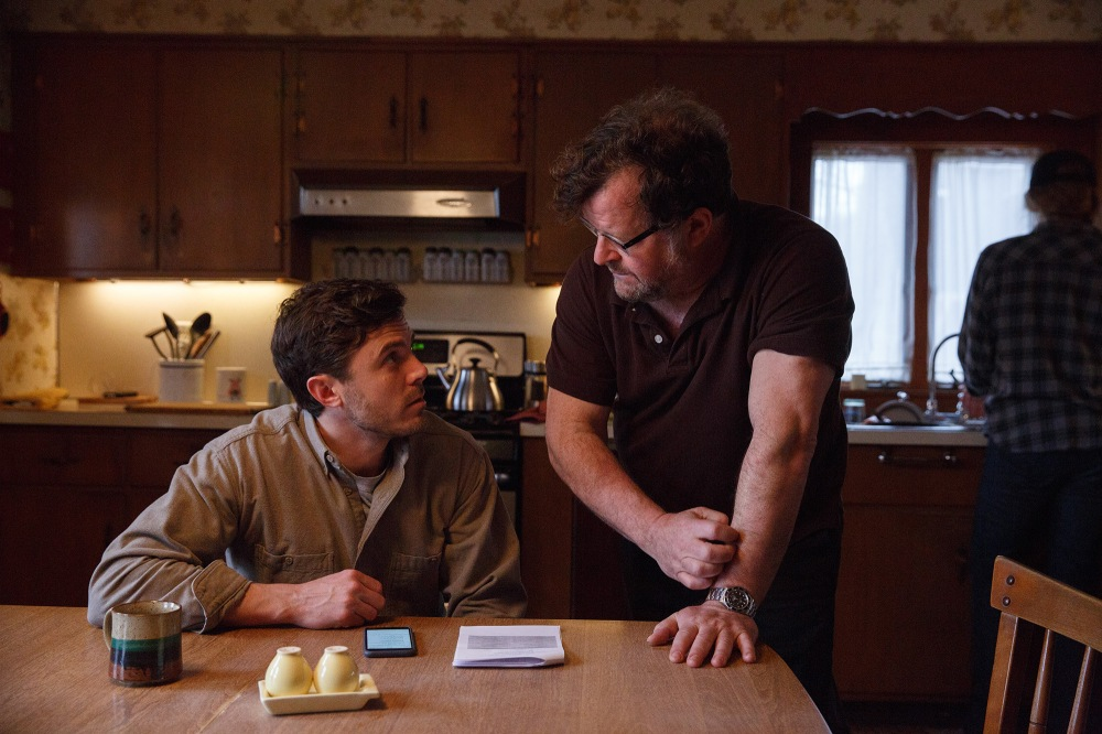 casey-affleck-and-kenneth-lonergan-on-the-set-of-manchester-by-the-sea-oscars-best-screenplay-2017-monster
