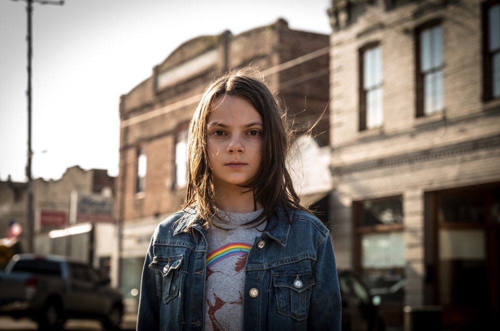 dafne-keen-in-logan-movie-qu-jackman-x-men-xavier-logan-2