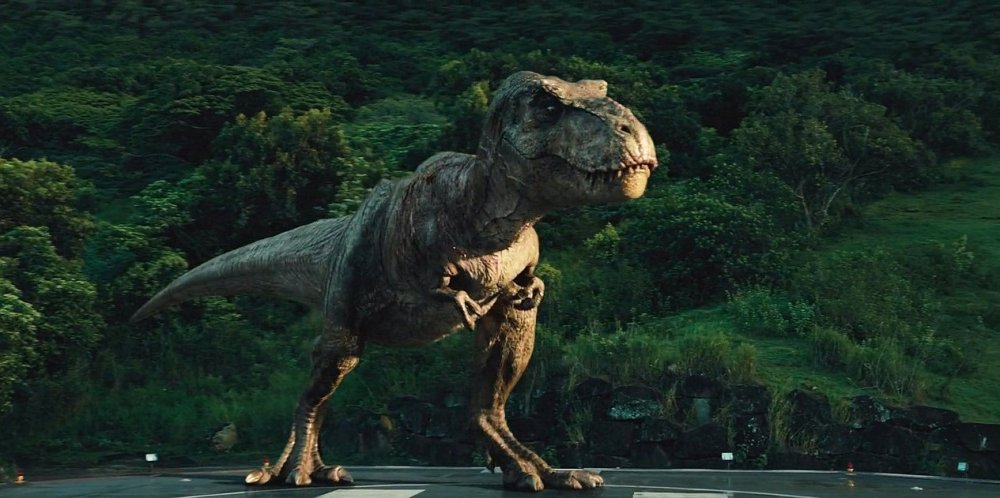 jurassic_world_tyrannosaurus_rex_1_screen 2018 malcom grand bayona hot