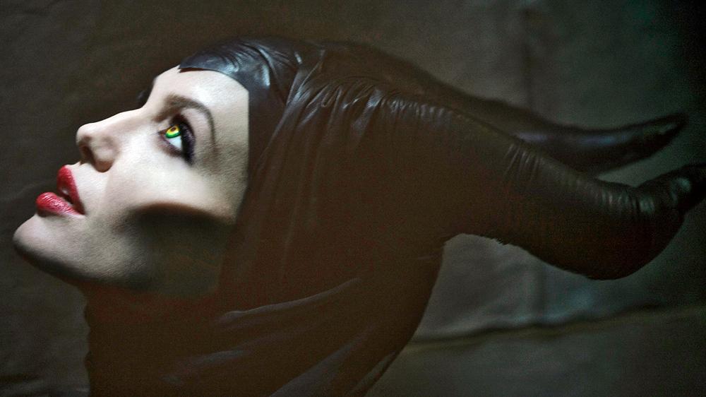 maleficent-angelina-jolie hot naked