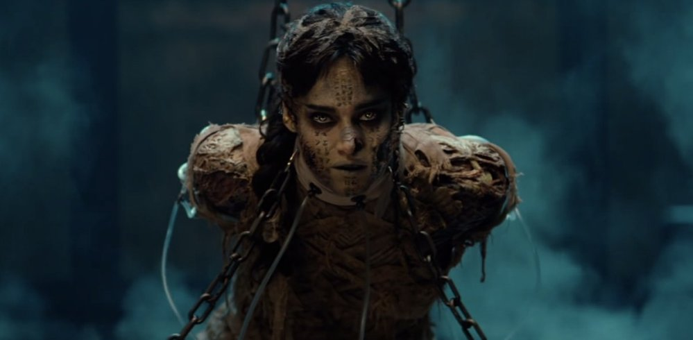 themummy-sofiaboutella-chainedup-sad
