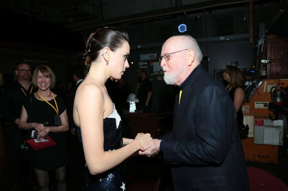 John_Williams_Dasy_Ridley_Love_Last_Jedi_Star_Wars.jpg
