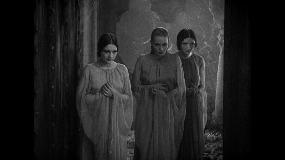 Dracula_girls.jpg