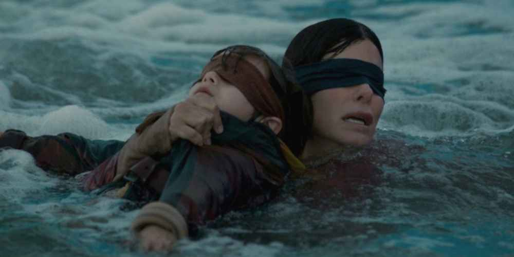 bird-box-sandra-bullock-blindfold-river